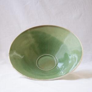 אלון - קערת פורצלן ירוקה עם ריקועי עלים לבנים