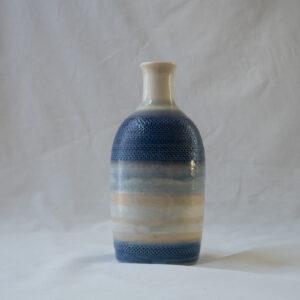 איל - בקבוק פסים כחולים